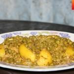Tajine de poulet aux pois verts et pommes de terre