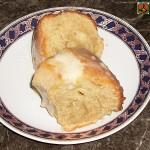 Cake à l'orange et cannelle avec glaçage à la vanille