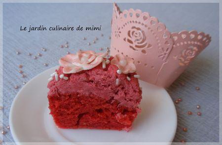 Cupcake fleuri à la framboise
