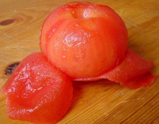 peler une tomate