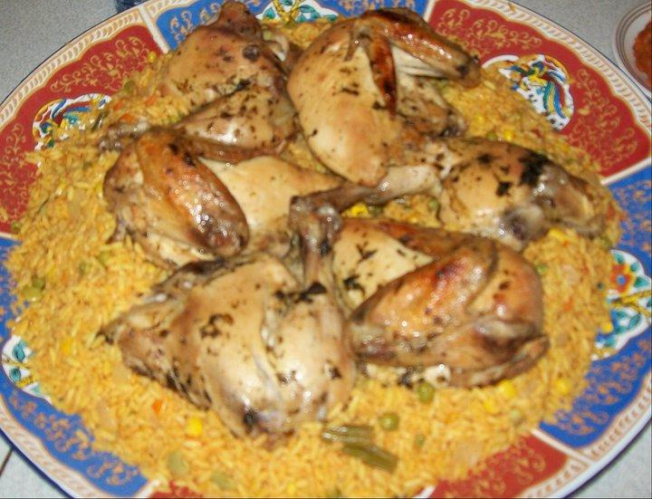 Poulet cuit au four et riz aux légumes