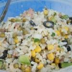 Salade de riz, thon et maïs
