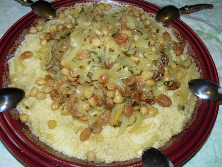 couscous aux raisins secs et pois chiches