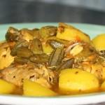 Tajine de poulet aux gombos et pommes de terre