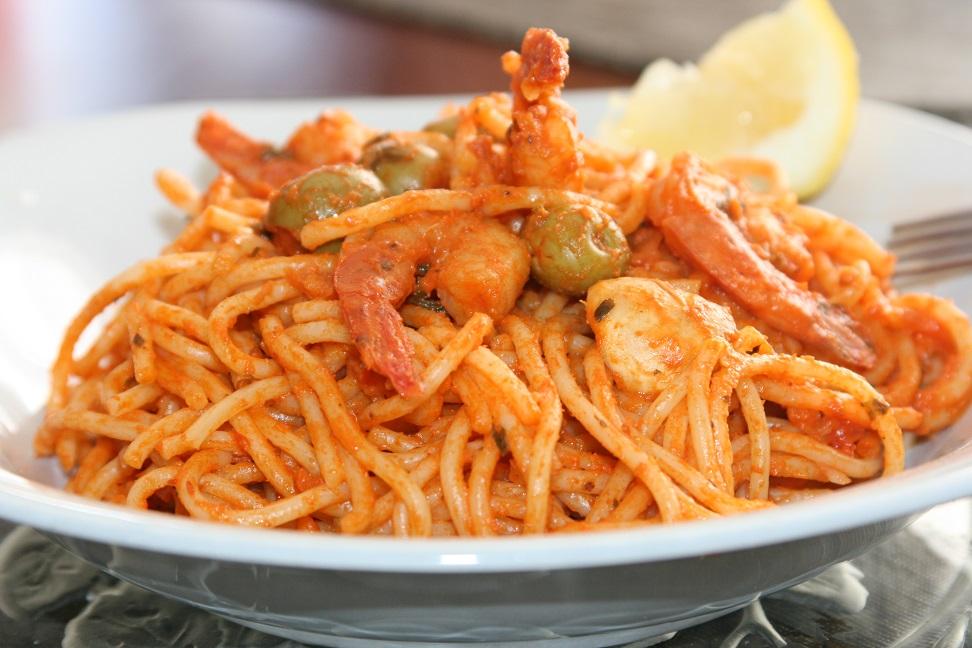 Spaghettis à la sauce rosée aux crevettes