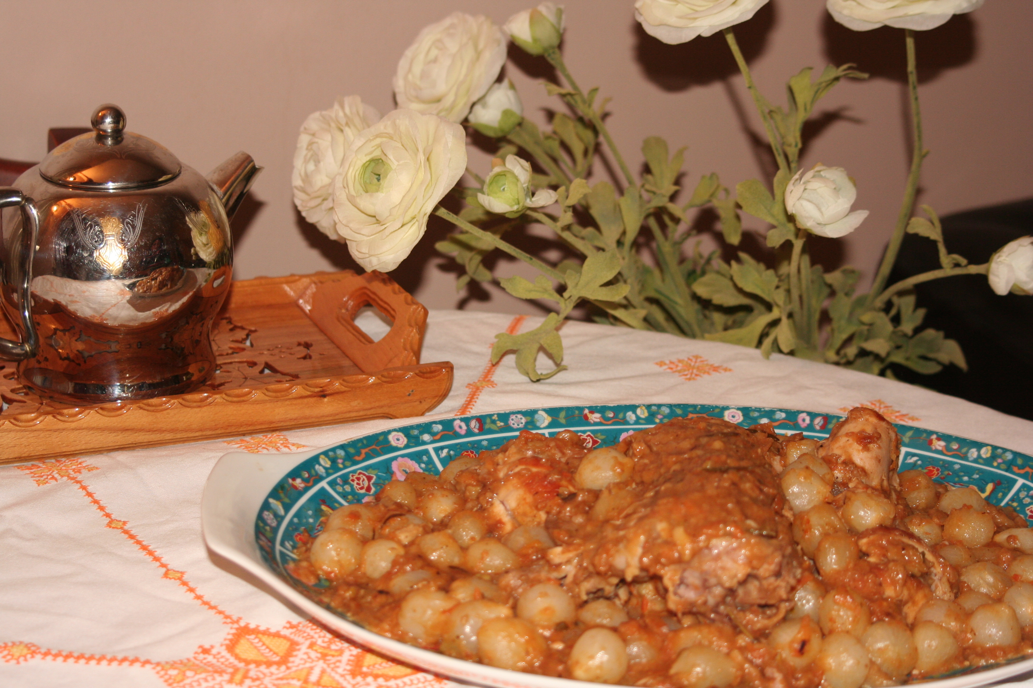 recette lapin aux petits oignons recettes maroc. Black Bedroom Furniture Sets. Home Design Ideas