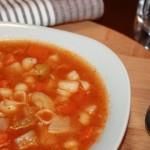 Soupe aux légumes et nouilles